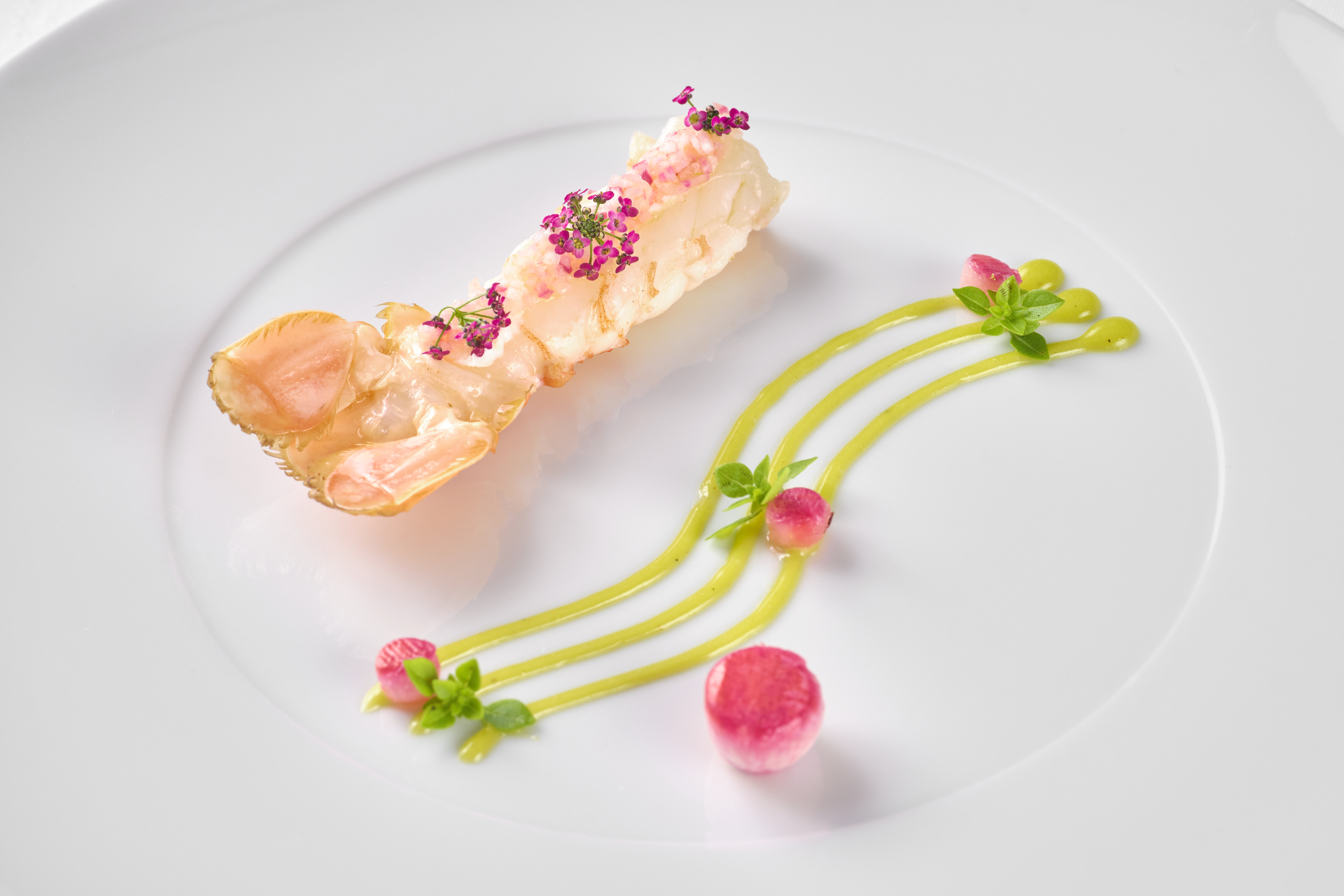 512/import-from-v1/images/Plat_Chef/2021/Langoustine_rotie_citron_confit_radis_red_meat__1.jpg