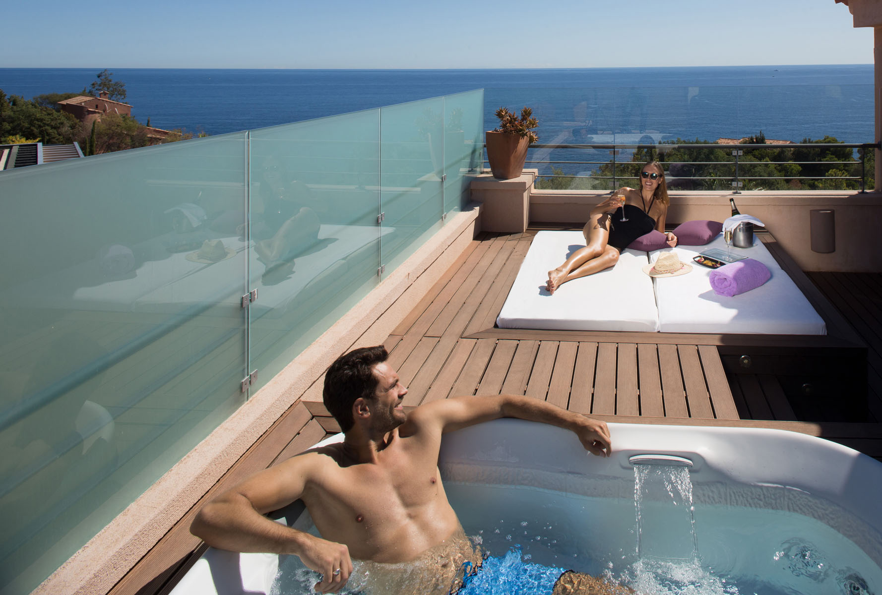 Tiara Yaktsa Cote d'Azur | French Riviera hotel with jacuzzi in room